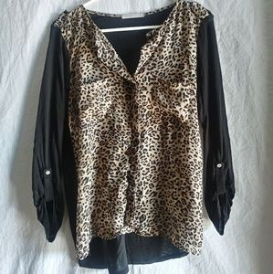 Femme by tresics silky polyester cheetah blouse M